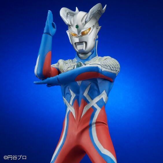 大怪獣シリーズ ULTRA NEW GENERATION 「ウルトラマンゼロ」発光ver.